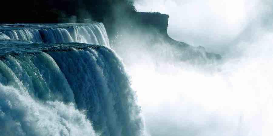 Las cascadas son generadoras de iones negativos